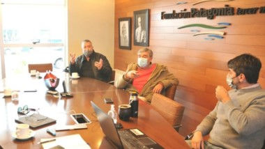 Cimadevilla mantuvo un encuentro con autoridades de Luz y Fuerza.