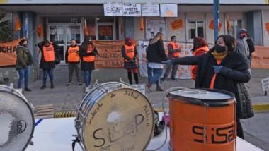 Una vez más la protesta por parte del gremio Sisap de Salud fue llevada adelante frente al Ministerio.