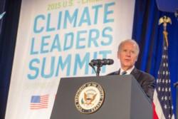 Biden, durante su participación en la Cumbre sobre el Clima. Busca ser coherente con una postura menos depredadora de la Naturaleza.