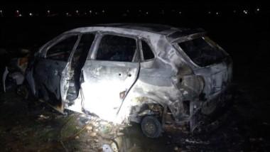 El automóvil VW Polo apareció totalmente quemado en el barrio INTA.