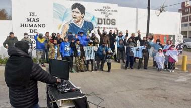 """La Peña """"Ciudad de D10s"""" se sumó al homenaje de """"El Gol del Siglo""""."""