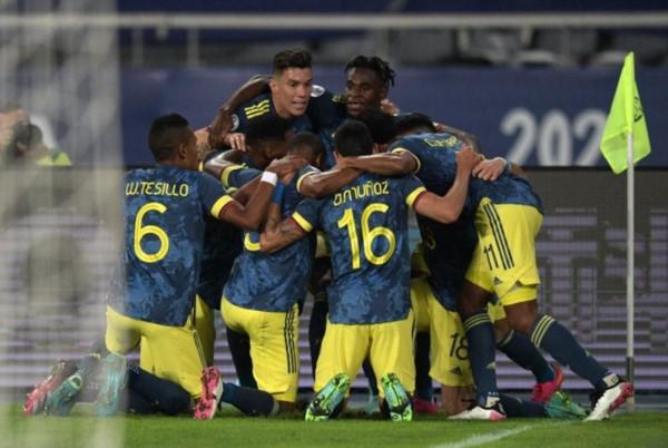 Golazo de Colombia, no se puede creer lo que hizo Luis Díaz. Primer gol que le hacen a Brasil en la Copa América.
