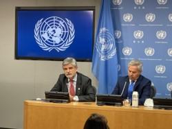 El Secretario de Malvinas, Antártida y Atlántico Sur, Daniel Filmus, junto al canciller Solá.