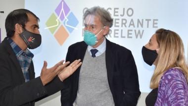 El médico Roberto Ingaramo durante su exposición instó a no descuidar los síntomas cardíacos.