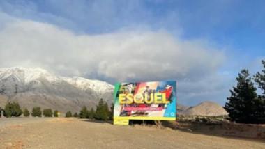 Uno de los nuevos carteles de bievenida a la ciudad de Esquel, destinados a los turistas.