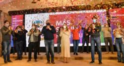 El gobernador celebró los resultados junto al nosiglista y ex ministro Martín Lousteau.
