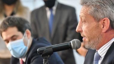 Arcioni junto a Luque y de forma virtual el administrador del ENOHSA, anunciaron una obra cloacal clave para Comodoro Rivadavia.