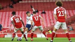 Golazo de rabona de Lamela. El ex River recibió el galardón al mejor gol de la temporada, por una gran definición en el clásico contra Arsenal.