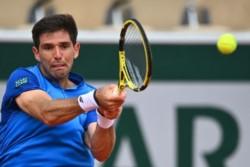Federer no puede más: el suizo hace oficial su retirada de Roland Garros por lesión, con lo que no se medirá al italiano Berrettini en octavos.