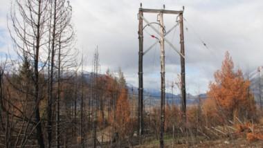 Alrededor de las 20 hs del viernes, quedó suspendida la provisión de energía eléctrica para Lago Puelo.