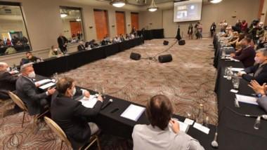 La cumbre que se dio en Comodoro para sentar postura conjunta por la Ley Petrolera debería ponerse en práctica  otras demandas energéticas.