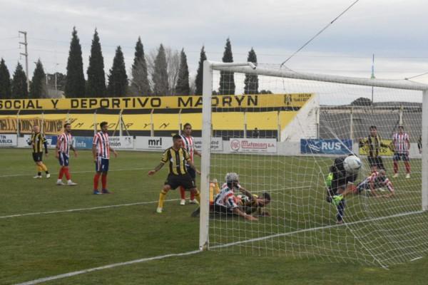 Emiliano López anotó el gol del Aurinegro, a veinte minutos del final.
