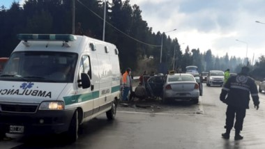 En el mediodía de ayer se produjo un grave accidente en Lago Puelo.