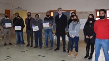 En instalaciones de la Mutual Sirio-Libanesa de Esquel  se realizó la primera entrega de mesocréditos.