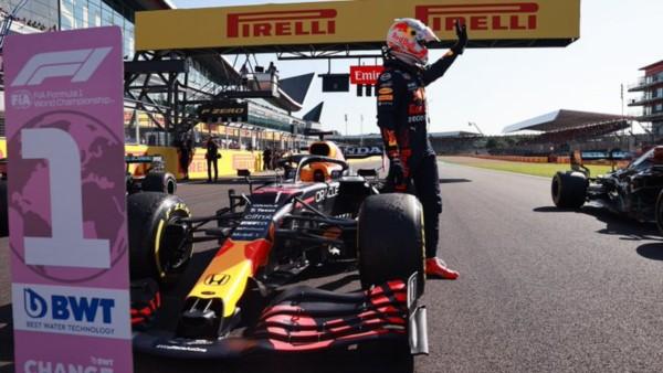 Max Verstappen hace historia: primer piloto en lograr la Pole Position en la carrera Sprint, quinta pole de la temporada 2021 y la número 8 en F1.