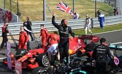 Verstappen en el hospital, los ingleses celebraron el accidente y Hamilton ni siquiera preguntó por radio si estaba bien su colega. Tampoco hizo comentario alguno en la rueda de prensa.