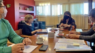Entre café. La cúpula del Ministerio de Educación repasó el panorama ante el regreso de las clases presenciales y la nueva normalidad.