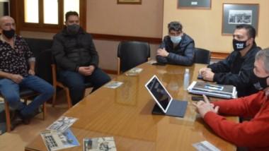 El encuentro mantenido entre el Municipio y representantes del sector gastronómico de Trelew.