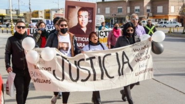 La mamá junto a los familiares de Facundo pidieron justicia al momento de descubrir una placa alusiva.