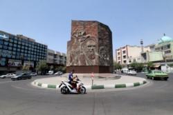 Dispusieron estrictas restricciones en la capital Teherán para contener la expansión del virus