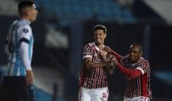 Emiliano Rigoni, un ex Independiente, festeja su gol en el Cilindro.
