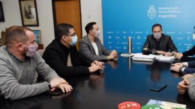 Acuerdo. Funcionarios nacionales y municipales avanzaron para que Trelew reciba más obras de Nación.