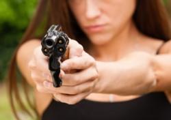 Un crimen estremece a la Colonia Tacuara de Misiones: una mujer mató a balazos a su marido porque descubrió que tenía un hijo extramatrimonial con una vecina.