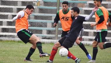 """El """"Verdiblanco"""" y el """"Globo"""" disputaron un amistoso preparatorio para el torneo Apertura 2021."""