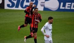 Patronato venció 2-0 a Sarmiento y sumó su segundo triunfo al hilo en el torneo local.