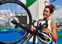 Romina Biagioli logró terminar el triatlón en el puesto 33.