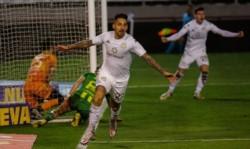 Correa abrió el marcador en Mar del Plata. Cortó una racha de 545 minutos sin convertir goles por torneos locales.