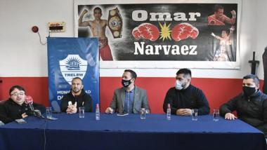 """En las instalaciones del gimnasio de Omar Narváez se presentó el boxeo inclusivo que dictará el """"Huracán""""."""