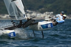 Lange y Carranza finalizaron en el 4° puesto tras las primeras tres regatas, 6° en la primera prueba, 2° en la siguiente y 5° en la tercera.