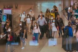 Un viajero procedente de Lima, Perú, contagió a 13 familiares.