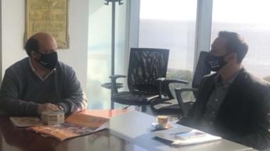 Cumbre. El jefe comunal en su gestión con la cúpula de Aerolíneas.
