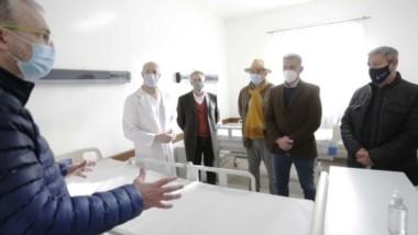 El Hospital Alvear de Comodoro recibió un aporte de Pan American Energy  de 14 camas ortopédicas, 14 mesas para comer y 14 mesas de luz.