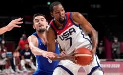 Kevin Durant ya no es sólo el líder de esta selección estadounidense de Tokio 2020, sino el mayor anotador del baloncesto olímpico estadounidense en su historia.