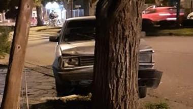 Un Volkswagen Gacel y una Toyota Hilux resultaron con serios daños.