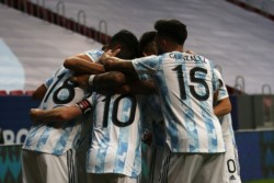 Con otra actuación brillante de Messi, Argentina goleó a Ecuador y sacó boleto a las semifinales de la Copa América.