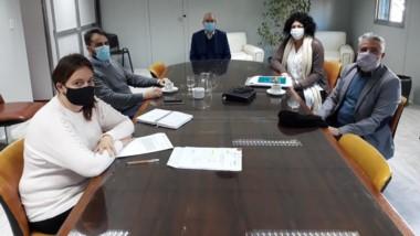Reunión en Rawson para agilizar la ejecución de la producción.