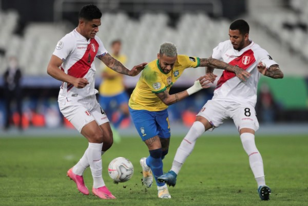 Enorme jugada de Neymar para habilitar a Paquetá en el gol de Brasil.