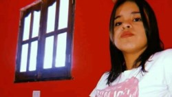 """Karina Ayala hizo un pedido desesperado a los jóvenes para que se """"cuiden"""" y lamentó que su hija """"no creía en la enfermedad"""