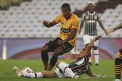 Fluminense logró un agónico y trabajado empate ante Barcelona de Guayaquil.