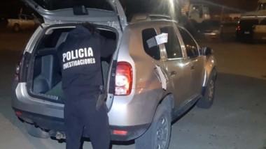 La camioneta que fue utilizada para el robo y luego abandonada tras el escape fue requisada ayer.