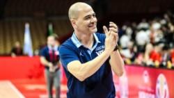 El entrenador agregó que a la selección nacional de básquet