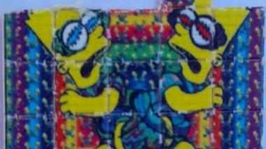 """Un troquel de LSD de """"Los Simpsons"""" fue encontrado en el colectivo."""