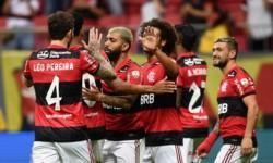 Goleada 5-1 en Brasil para un global de 9-2 y acceder a semifinales de la Copa.