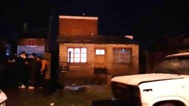 La agresión a la casa se produjo en la madrugada de ayer en Trevelin.