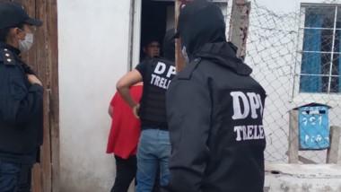 Los allanamientos se llevaron a cabo en la tarde de ayer en Trelew.