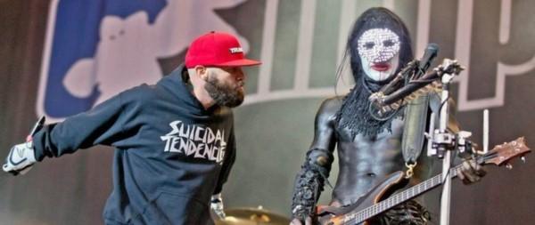 """Limp Bizkit en el escenario. Una """"sudadera"""" nihilista..."""